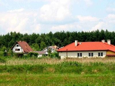 Na zdjęciu widać miejscowość Budczyce wraz z zabudową mieszkalną