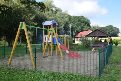 Na zdjęciu widać plac zabaw w miejscowości: Czachowo
