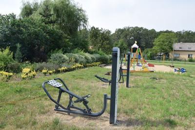 Na zdjęciu widać siłownię zewnętrzną w miejscowości: Grochowa