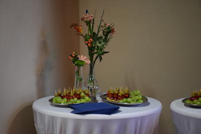 Na zdjęciu widać poczęstunek przygotowanych dla przybyłych gości.