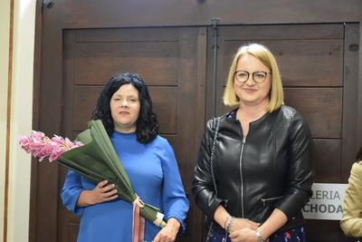 Na zdjęciu widać: Wójta Gminy Zawonia Agnieszkę Wersta i dr Annę Biela.