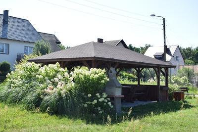 Na zdjęciu widać altankę w miejscowości: Pęciszów