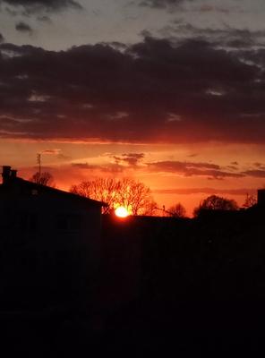 Na zdjęciu widać zachód słońca